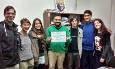 Ejemplo de civismo: Lescano no es candidato a nada pero gestiona proyectos solidarios para jóvenes