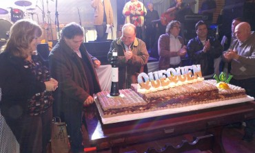 """Quequén festejó sus 161 años con una gran torta y al ritmo de """"La Franela"""""""