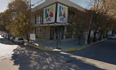 La OMIC insiste con sus denuncias de cortes de luz por facturación. Vílchez lo desmiente