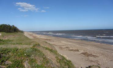 Piden la construcción de una pequeña escollera para frenar la erosión costera