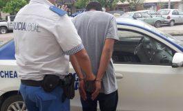 Detenido por violar la restricción de acercamiento a su familia