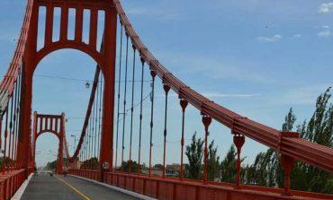 Esta noche se corta al tránsito el Puente Colgante