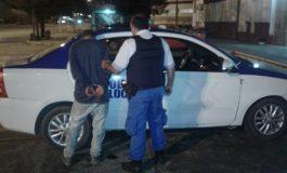 Atrapó al ladrón que quiso robarle y lo retuvo hasta que llegó la policía