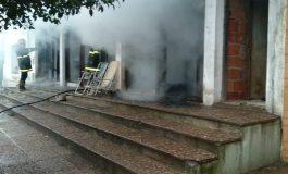 Organizan colecta para la familia que ayer se le incendió la vivienda