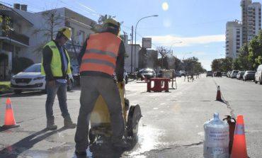 Realizan obras de tendido eléctrico para el parque eólico. Habrá cambios en las calles