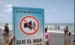 Realizan una campaña para que no prolifere el sonido de parlantes en la playa