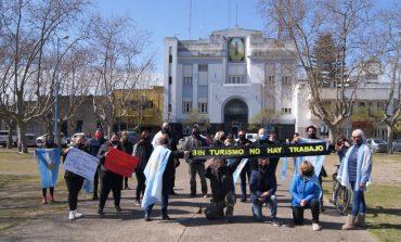 Protesta en reclamo de la emergencia para el sector turístico