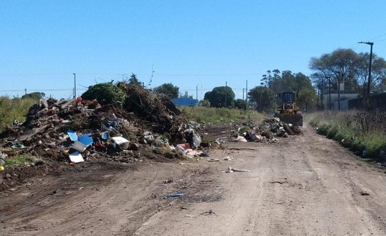Se siguen limpiando microbasurales generados por el lamentable accionar de vecinos