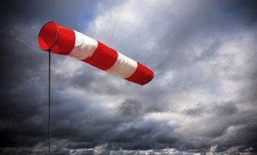 Persiste el alerta amarillo por fuertes vientos y se suspendieron las clases por el resto del día